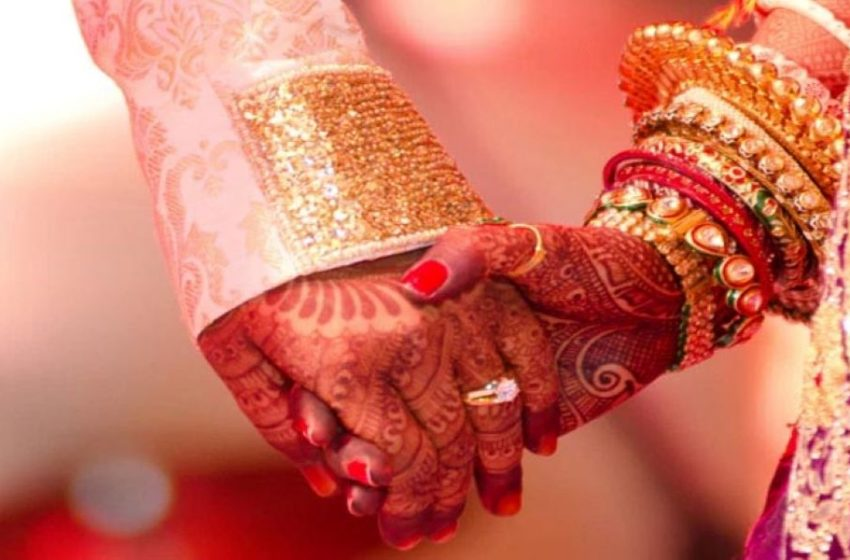 'ഭാര്യ സ്വകാര്യസ്വത്ത് അല്ല; ഭര്ത്താവിനൊപ്പം ജീവിക്കാന് ഭാര്യയെ നിര്ബന്ധിക്കാനാകില്ലെന്ന് സുപ്രീം കോടതി